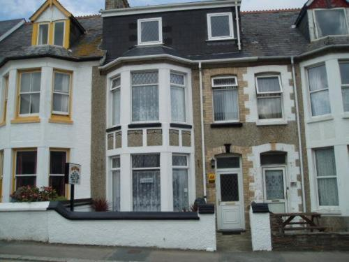 Holmwood Guest House in Newquay, Cornwall, South West England