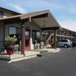 Hotels near Deepwater Amphitheater - Mountain View Lodge