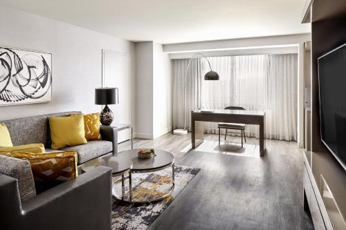 One-Bedroom King Suite with City View