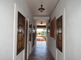 Hotel Cesar Mariscos 2, Tela