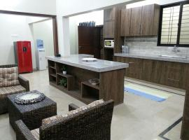 Furnished Holidays Vacation House, Karāchi