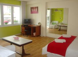 Guest Rooms Colours, Kazanlŭk