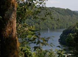 Landhaus-Wald-und-See-2
