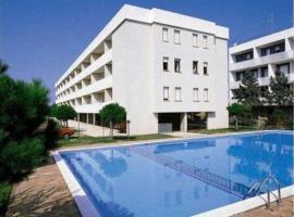 Azalee Belmare Apartments, 比比翁