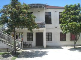 Guest house on Abzhuiskoe shosse 42, Sukhum