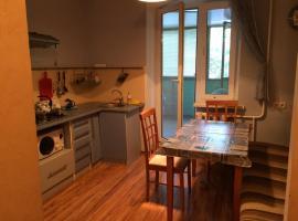 Apartment on Hretska, Berdyans'k
