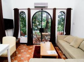 Top Floor Apartment by Steven, Ho Chi Minh