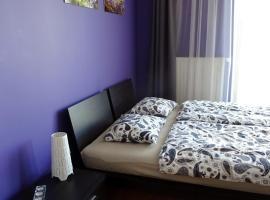 Globetrotters' Apartment, Krakau