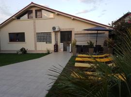 Vila Daphne, Нэводари