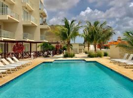 Large Luxury apartment on Palm Beach, Palm Beach