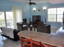 Queen Angel Resort Apartment, Providenciales