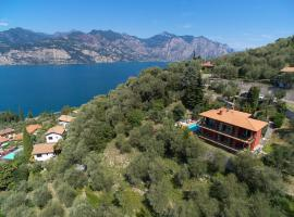 Villa's Apartments with Enchanting Lake View, Malcesine