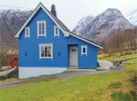 Three-Bedroom Holiday Home in Sykkylven, Ramstad