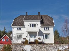 Six-Bedroom Holiday Home in Evje, Vegusdal