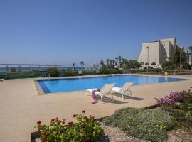 Larnaca Sunshore Beachfront Suite, Voroklini