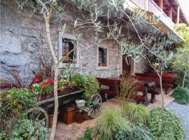 One-Bedroom Apartment in Dutovlje, Dutovlje