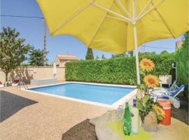 Apartment - Two-Bedroom Holiday Home in Codognan, Codognan
