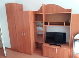 Апартамент до ВИНС, Warna