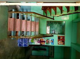Su Latt Guest House - Burmese Only, Hopin