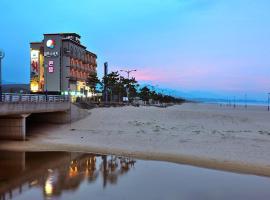 Alps Beach Condo, Yangyang