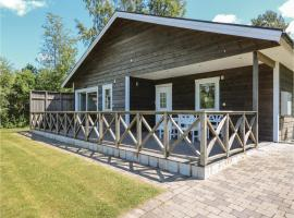 Two-Bedroom Holiday Home in Solvesborg, 瑟尔沃斯堡