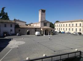 Wonderland House, Foligno