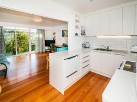 Mairangi Bay Beach House, Auckland