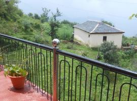 4-BR homestay in Naldehra, by GuestHouser 19315, Shimla