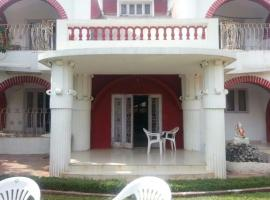 Bungalow with private pool in Lonavala, by GuestHouser 60112, Lonavala