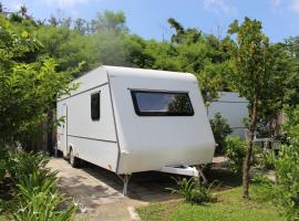 Kenting Houbihu Camping Car B&B, Daguang