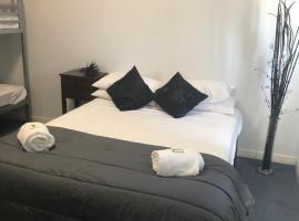 Tin Can Bay Budget Accommodation, Тин-Кен-Бэй