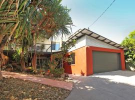 252 David Low Way Peregian Beach, FREE WiFi, Pet Friendly, 500 bond, Linen Included, Peregian Beach