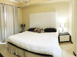 Gold Coast Luxury Condo One Floor, Palm Beach
