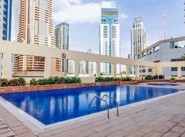 Hometown Holiday Homes - Royal Oceanic - 1, Dubaj