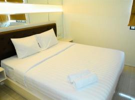 3 BR With Sofa Bed At Maple Park Sunter Apartment By Travelio, Джакарта