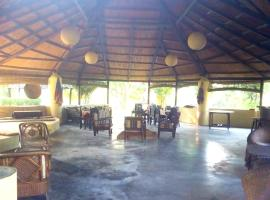 Mango Tree Lodge, Bhurkīā