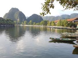 Tam Coc Mountain Lake Homestay, Ninh Binh