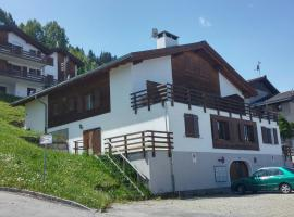 Spacious Apartment directly in skiing area, Surcuolm