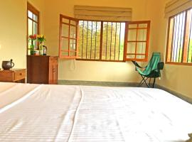 Captain's Lake Safari Lodge, Kalpitiya