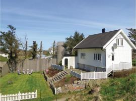 Three-Bedroom Holiday Home in Torvastad, Osnes