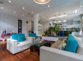 5 bedrooms Pool Villa w Karaoke, Ho Chi Minh