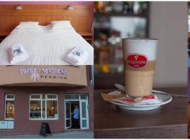 Café Kaftan - pension, Колин