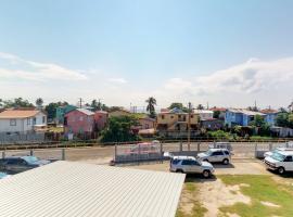 Comodidades Delta, Belize City