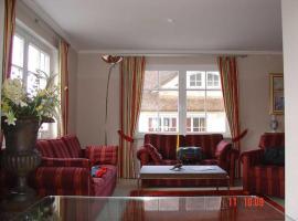 _ Luxusferienhaus Moewe unter Reet