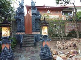 Balinese Villa with Private Pool in Batam, Sekupang
