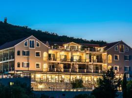 Almyra Hotel, Fiskárdhon