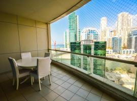 Hometown Apartments - Extra spacious 3-bedroom on the beach & Marina, Dubai