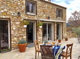 Le Carros - House with terrace, Carros