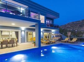Villa Nil, Üzümlü