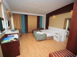 Sea World Resort & Spa, Кизилагач
